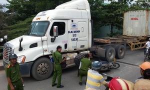 """Khu Đông của TPHCM: Đường hẹp, xe máy bị """"tử thần"""" rình rập"""