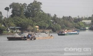 """Khúc sông """"tử thần"""" tại Đồng Nai"""