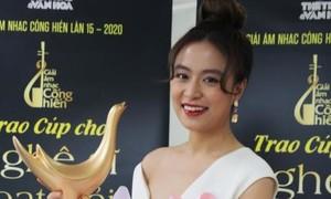 Hoàng Thùy Linh đẹp rạng rỡ với kỷ lục giải thưởng