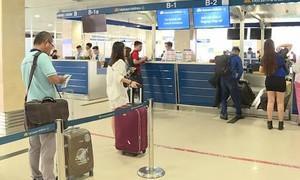 Nhiều chặng bay nội địa đến Hà Nội và TPHCM chỉ còn 1 chuyến/ngày