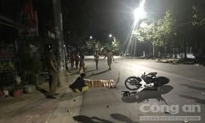 Xe máy tông miệng cống rồi nhào lộn, thanh niên tử nạn tại chỗ