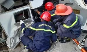Lật xe chở bê-tông, 1 người tử vong