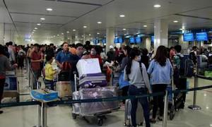 Xét nghiệm Covid-19 tất cả khách quốc nội tại sân bay Tân Sơn Nhất