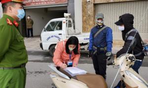 Hà Nội: Phạt 3 người ra đường không có lý do chính đáng