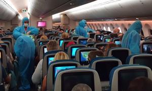 Vietnam Airlines chở gần 600 người châu Âu về nước