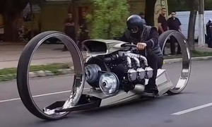 Clip siêu môtô chạy bằng động cơ máy bay
