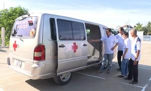 Người dân hùn tiền mua ôtô chuyển bệnh nhân cấp cứu miễn phí