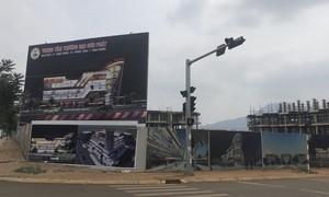 """Trung tâm thương mại xây """"chui"""" giữa thị xã Phước Long?"""