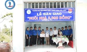 """Sinh viên nghèo ấm lòng với """"ngôi nhà 5.000 đồng"""""""