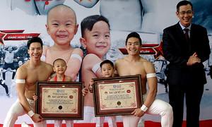 Con trai Quốc Cơ, Quốc Nghiệp lập kỷ lục khi mới 3 tuổi