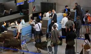 Khởi tố điều tra đường dây tổ chức cho người Việt trốn đi Mỹ