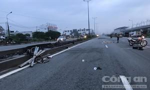 Người đàn ông đi xe đạp bị 2 ô tô tông chết tại hầm chui ở Sài Gòn