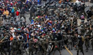 Đoàn caravan người nhập cư ùn ùn kéo đến biên giới Mỹ