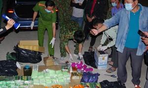 Chặn ô tô trong đêm bắt 89kg nghi ma tuý vận chuyển từ Campuchia về Sài Gòn