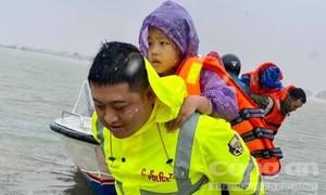 Lực lượng Công an chủ động triển khai các biện pháp ứng phó mưa lũ