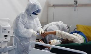 WHO: Covid-19 có thể đã khiến 180.000 nhân viên y tế thiệt mạng