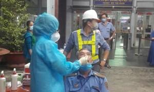 Sáng 15/2 ghi nhận 1 ca COVID-19, nguy cơ lây lan dịch còn rất lớn ở Hà Nội, TPHCM