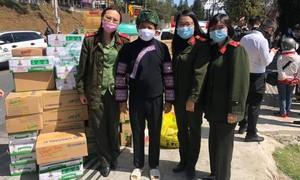 Người Đà Lạt góp gần ngàn thùng sữa, mì cho ông Đoàn Ngọc Hải tặng trẻ em nghèo