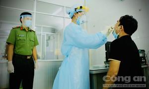 """Những """"lá chắn thép"""" bảo vệ sức khỏe người dân ở cửa ngõ TPHCM"""