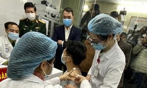 Những đối tượng nào được ưu tiên tiêm vắc xin COVID-19 tại Việt Nam?