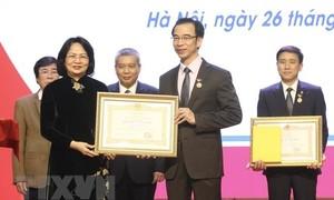 Trao danh hiệu Thầy thuốc Nhân dân cho 5 bác sỹ