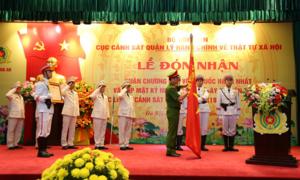 Cục Cảnh sát QLHC về TTXH đón nhận Huân chương Bảo vệ Tổ quốc hạng Nhất