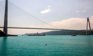 Căng thẳng với Nga gia tăng, Mỹ dừng triển khai 2 tàu chiến đến Biển Đen