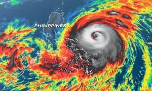 Siêu bão Surigae áp sát Philippines