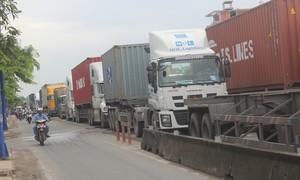Kỳ cuối: Giải pháp nào giúp giảm kẹt xe cho các tuyến đường vào cảng?