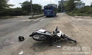 Nữ sinh năm cuối va chạm xe buýt, tử vong trước cổng KTX ĐHQG TPHCM