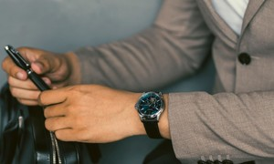 Đánh giá đồng hồ Citizen Open Heart có tốt không, giá bao nhiêu?