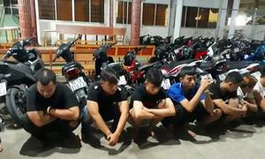 Gần 60 thanh niên tụ tập đua xe sau chiến thắng của đội tuyển Việt Nam