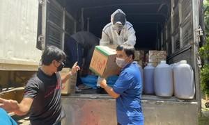 Hoa Sen tặng hàng chục tấn gạo, rau củ quả hỗ trợ người dân trong mùa dịch