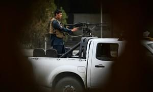 Tên lửa nã liên tiếp vào thủ đô Afghanistan, nhắm tới tổng thống