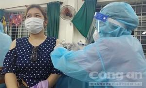 Thủ tướng yêu cầu không thu phí, trục lợi từ việc tiêm vaccine ngừa COVID-19