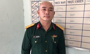 Giả danh trung tá đặc công để đi qua chốt kiểm soát COVID-19