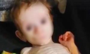 Người mẹ ra toà vì bỏ đói con trong tủ quần áo đến gần chết