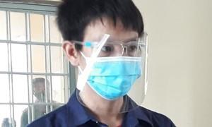 Lãnh 9 tháng tù vì dùng tay siết cổ thành viên chống dịch
