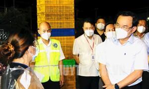 Bí thư Thành ủy kiểm tra tại chợ đầu mối lớn nhất TPHCM khi mở cửa trở lại