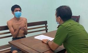 Khởi tố thanh niên dùng cuốc, xà beng tấn công tổ công tác chống dịch