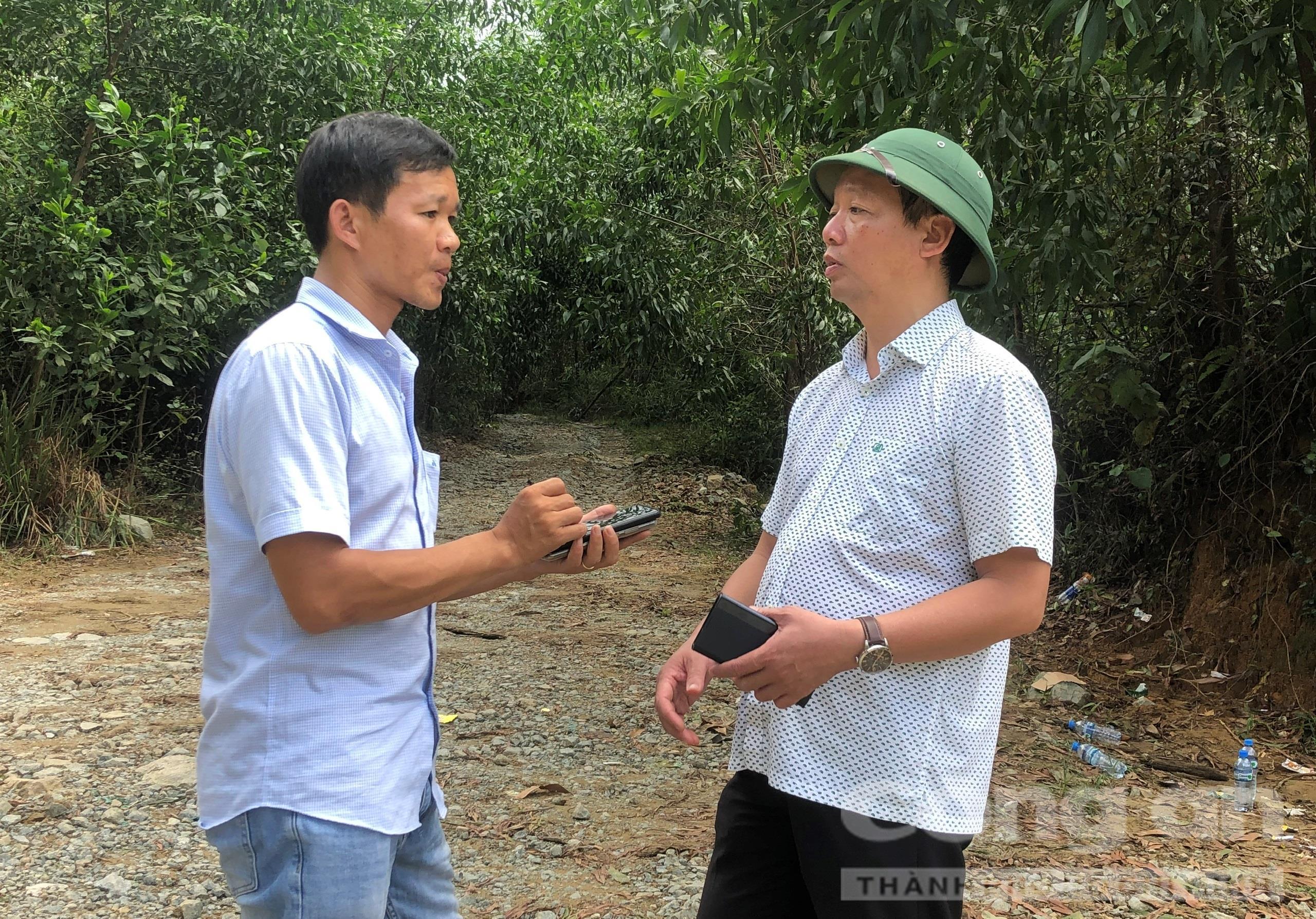 PV Báo Công an TPHCM phỏng vấn ông Phan Thiên Định - Phó Chủ tịch UBND tỉnh Thừa Thiên – Huế về công tác cứu hộ cứu nạn, tại hiện trường