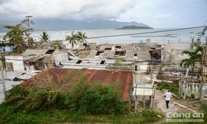 Quốc lộ 1 hướng từ Khánh Hoà - Phú Yên, sau cơn bão số 12