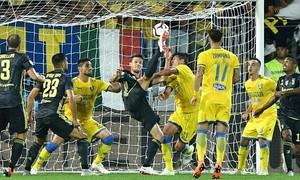 Ronaldo ghi bàn, Juventus thống trị top 1