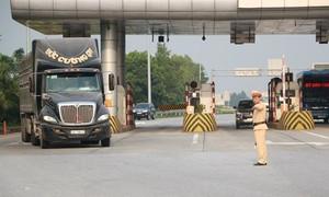 Tổng kiểm soát xe ô tô khách, chở hàng hóa trên 7 tuyến cao tốc