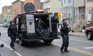 Đấu súng gần New York, 6 người thiệt mạng