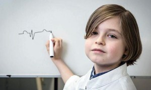 Cậu bé 9 tuổi dừng chương trình đại học vì không được... tốt nghiệp sớm