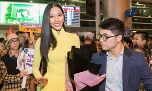 Á hậu Hoàng Thùy trở về nước sau kì thi Miss Universe tại Mỹ