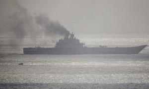 Tàu sân bay duy nhất của Nga bốc cháy ngùn ngụt