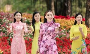 Phi Nhung tiết lộ lý do nhận nhiều con nuôi