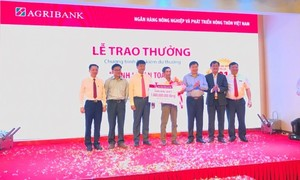 Agribank trao 1 tỷ đồng cho khách hàng trúng giải đặc biệt
